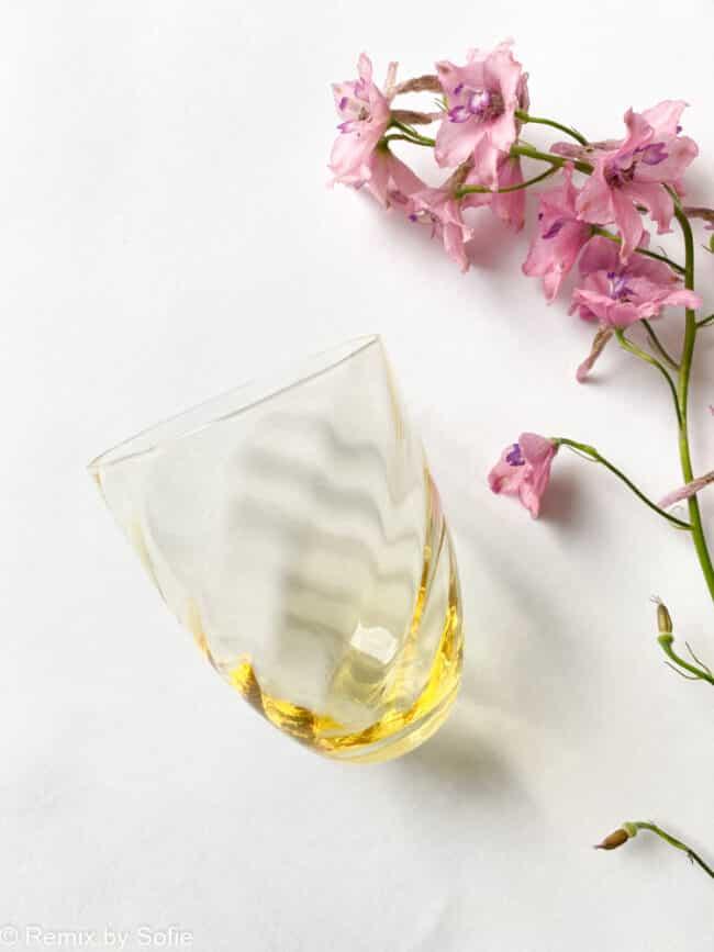 swirl glas i gul, anna von lipa mix & match, swirl glas, wawe glas, harlekin glas, tumbler, vand glas, drikkeglas, drinking glass, anna von lipa glas, remix by sofie anna von lipa forhandler,