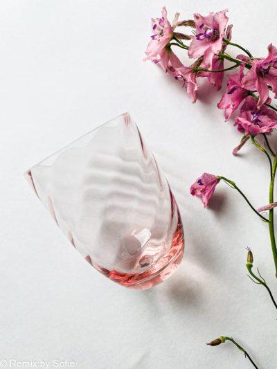 swirl glas i lyserød, anna von lipa mix & match, swirl glas, wawe glas, harlekin glas, tumbler, vand glas, drikkeglas, drinking glass, anna von lipa glas, remix by sofie anna von lipa forhandler,