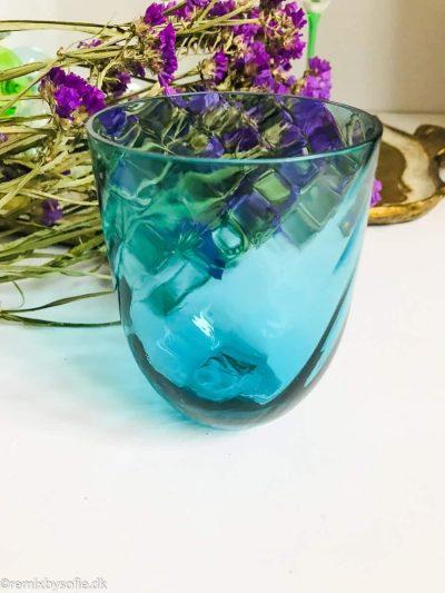 Anna von lipa Swirl glas i mørk aqua