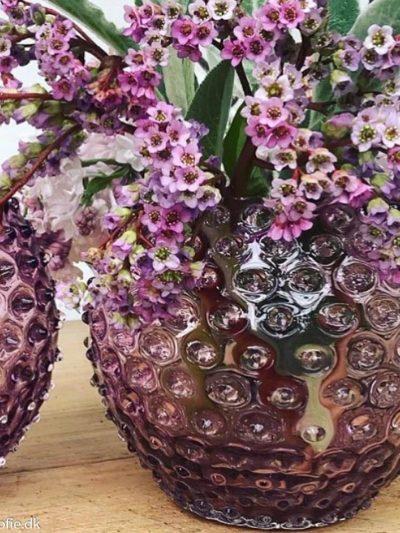 pindsvine vase 18 cm mørk violet
