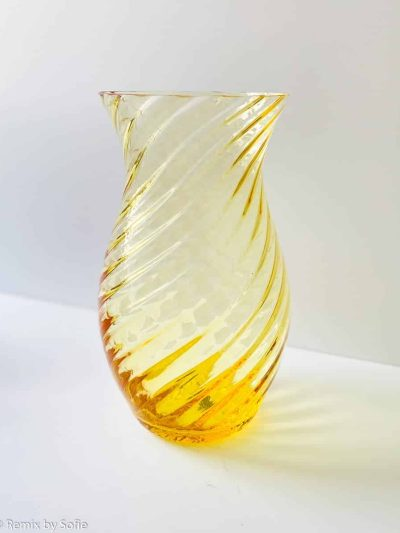 anna von lipa, swirl vase, mundblæst glas