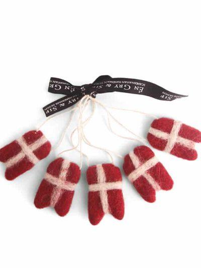 flag til grene, flag til juletræet, filtede julegaver, juletræspynt, pynt til juletræer,fluesvampe i filt, svampe i filt, filtede svampe,, bæredygtig jul, én gry & sif, en gry & sif, filt julepynt, julepynt i filt, filt fra nepal