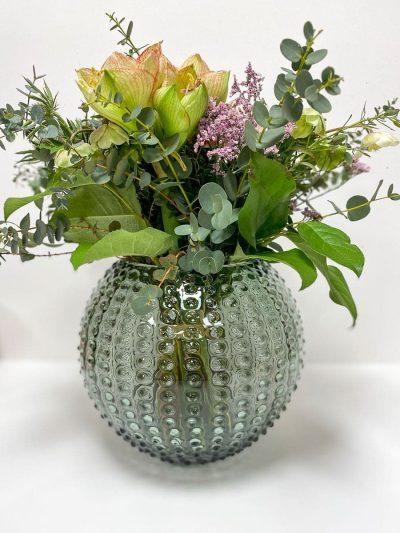 anna von lipa. mundblæst vase, glas vase, krystal vase,pindsvinevase, hobnail vase, vase i pindsvineglas, blomstervase