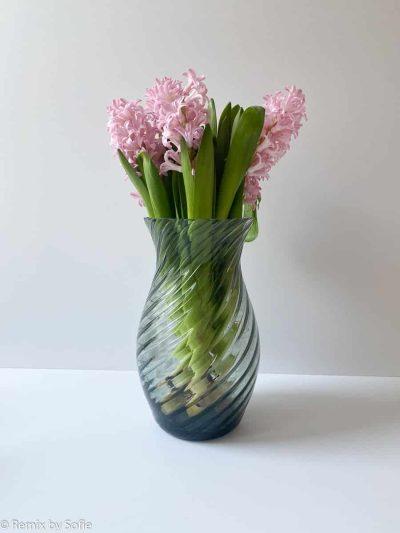 anna von lipa, swirl vase, mundblæst glas, oslo, grey smokeanna von lipa, swirl vase, mundblæst glas
