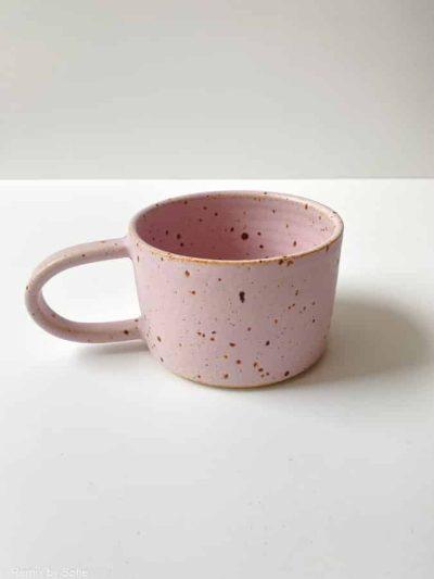purple rain, lyslilla glasur, kop, hvid glasur kop med splash, stentøjs kop, keramik kop, ceramic cups, handmade cups, kaffekop, tekop, den perfekte kop, borddækning