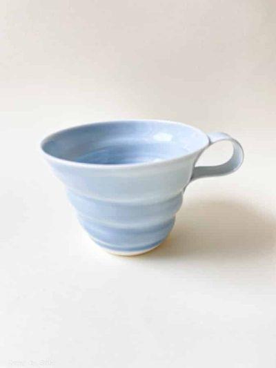 rikke maglesen keramik, porcelæns kop, lyseblå, kaffe kop, kop, pastelfarvet kop, kaffekop, tekop