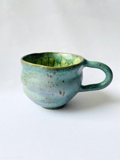 kop organisk form grøn, blågrøn kop,, kop i blå, keramik kop, ceramic cups, yellow kop, remix by sofie, mia lindbirk