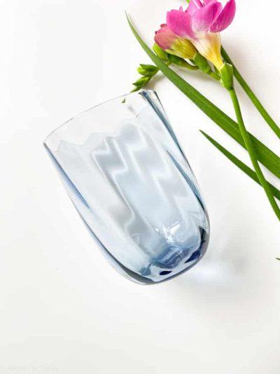 swil glas i blue smoke, anna von lipa mix & match, swirl glas, wawe glas, harlekin glas, tumbler, vand glas, drikkeglas, drinking glass, anna von lipa glas, remix by sofie anna von lipa forhandler,