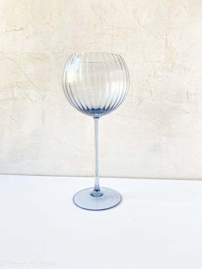 lyon rødvinsglas i blue smoke,wineglass, handblown, glas, remix by sofie,anna von lipa vinglas, rødvinglas, vinglas, mundblæst vinglas, vinglas, lyon vinglas, anna von lipa glas